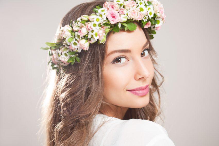 Zauberhafte Brautfrisuren Mit Blumen Hochzeitsmagazin Und Blog