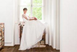 Passende Brautkleider für kleine, zierliche Frauen