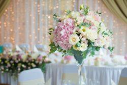 Die perfekten Blumen für deine Hochzeit – Von Dekoration bis Brautstrauß