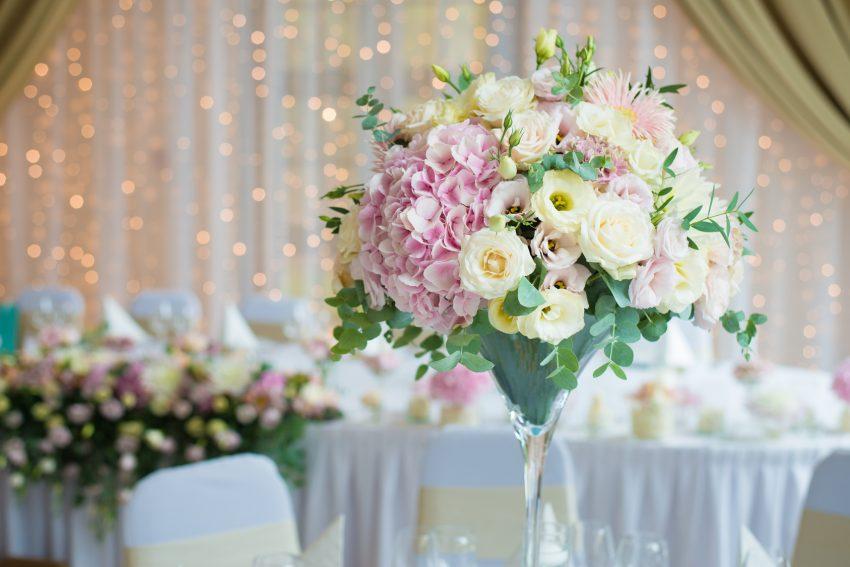 Die Perfekten Blumen Fur Deine Hochzeit Von Dekoration Bis