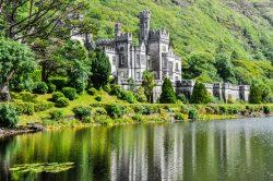 Faszinierende Natur und romantische Kulissen – Flitterwochen in Irland
