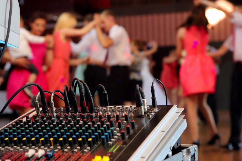 Hochzeitsfeier und DJ