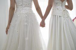 Perfekte Brautmode für eure gleichgeschlechtliche Hochzeit