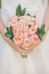 Brautstrauß mit Pfingsrosen