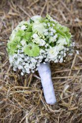 Brautstrauß in grün-creme