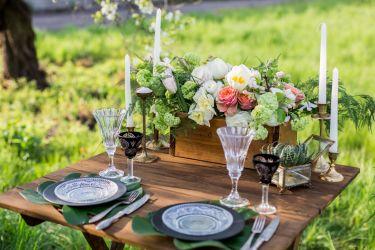 Frühlingshafter Hochzeitstisch