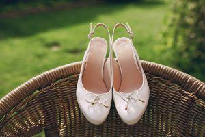 Brautschuhe mit Schleifen