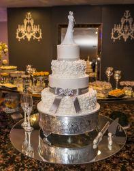 Glamuröse Hochzeitstorte
