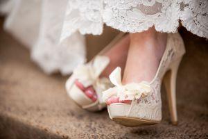 Brautschuhe mit Spitze Peeptoe