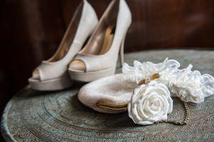 Brautschuhe und Accessoires