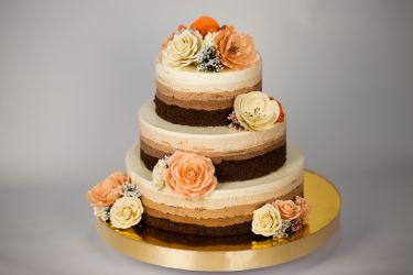 Naked Cake mit Blüten
